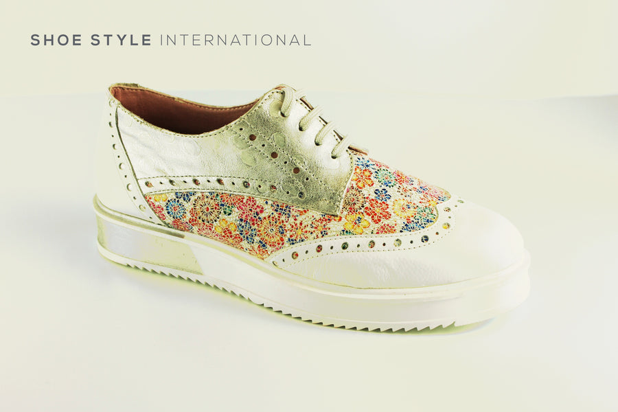 Maria Leon 1708 Casual Laced Up Shoe in White and Flower Design. Closed Toe Lace up. Ireland Shoe Shops online, Shoe Style International, Location Wexford Gorey, Ireland