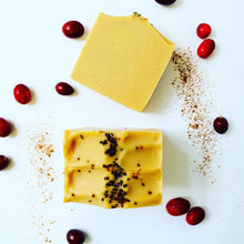 Load image into Gallery viewer, Handmade Cranberry Spice Soap