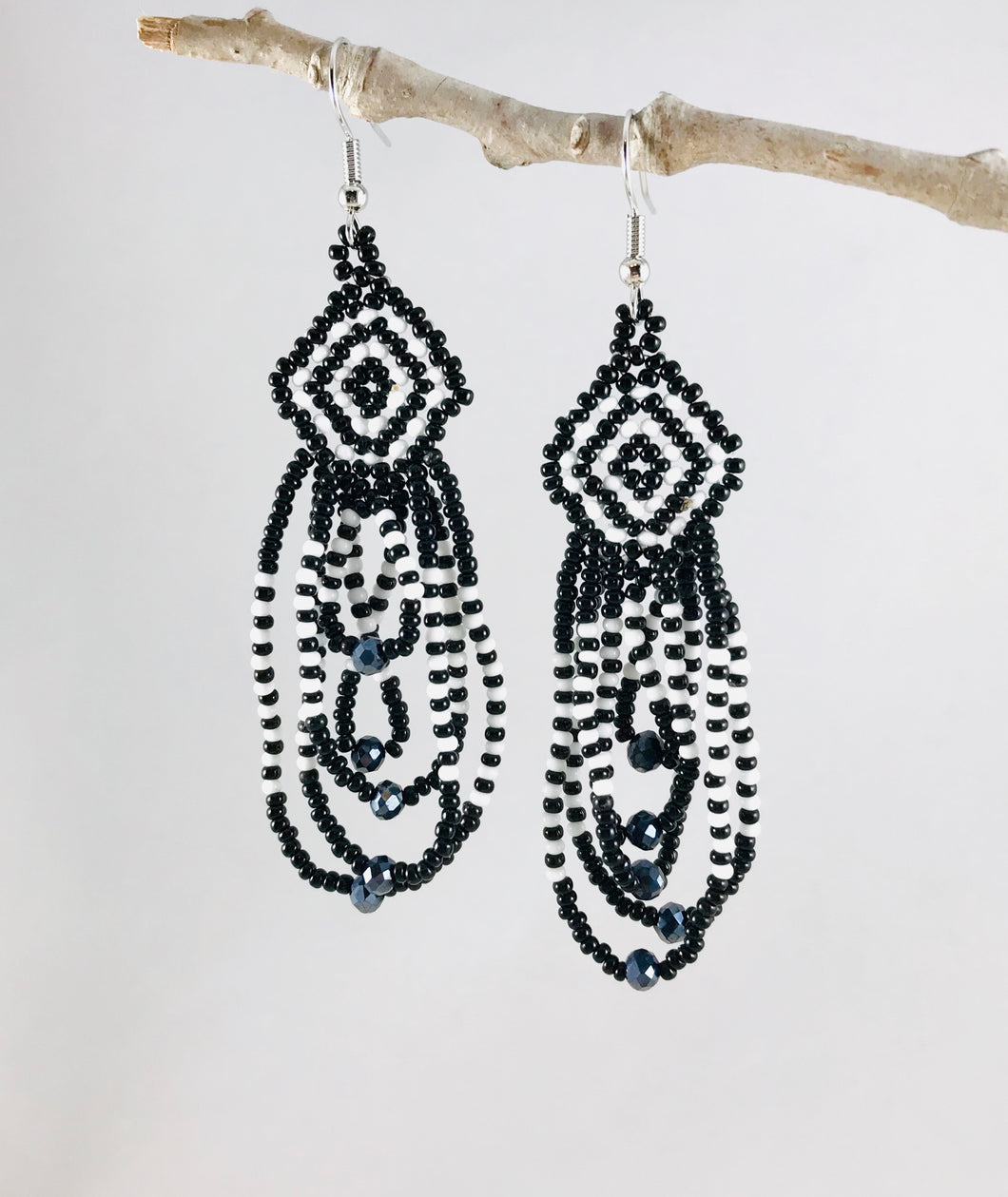 Everyday Sparkle Earrings, Black/White