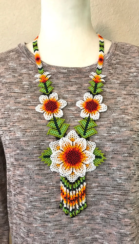 Traditional Flower Necklace, White
