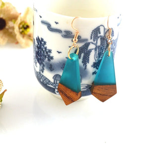 Leanzni Professional antique wood resin gift production, fashion geometric features, natural wood grain, female jewelry