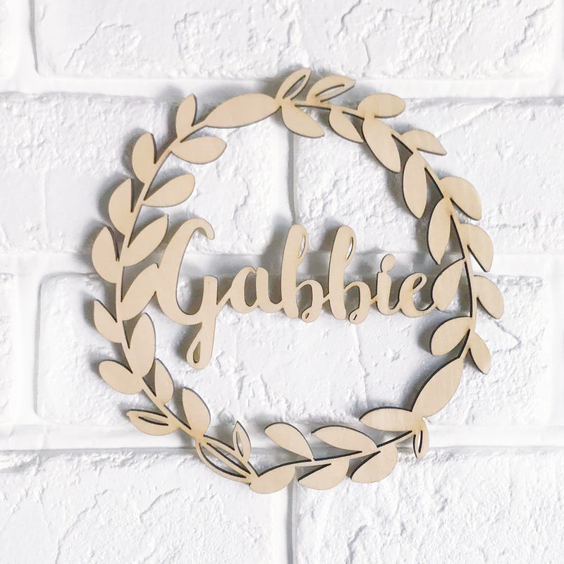 Classic Wreath Name Sign