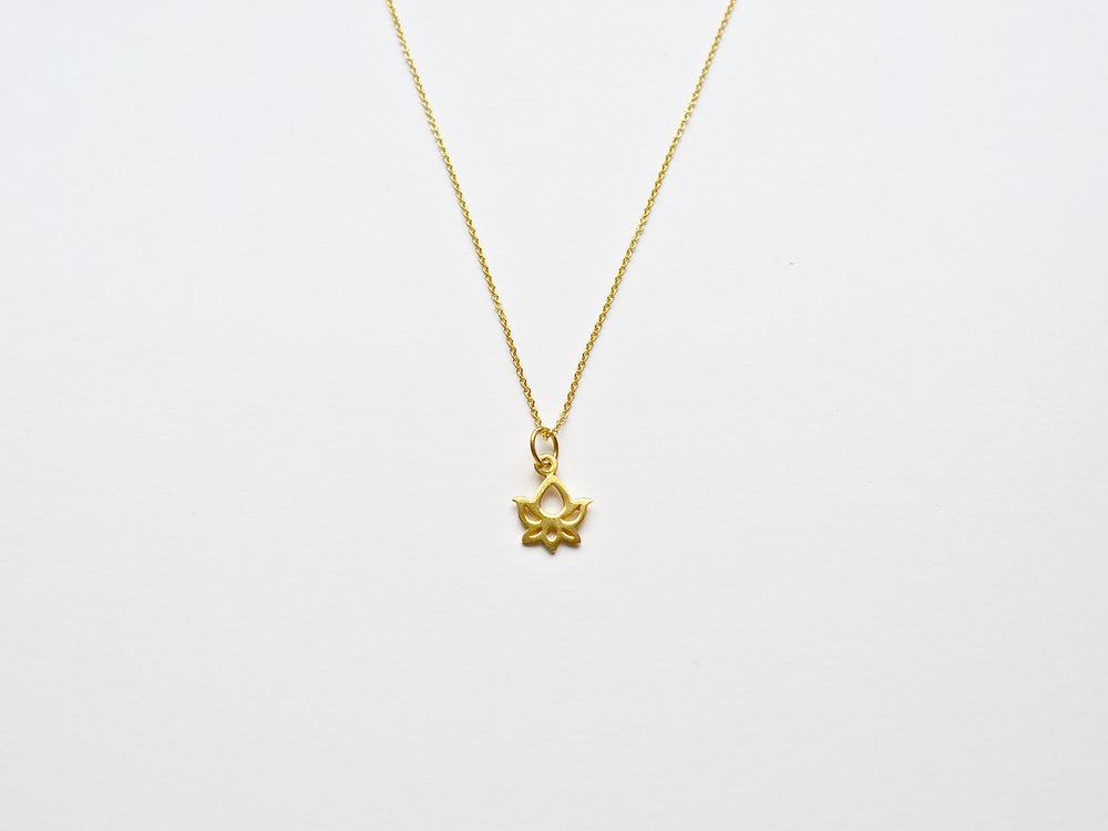 "New in: Kette ""Tiny Lotus Flower"" vergoldet"