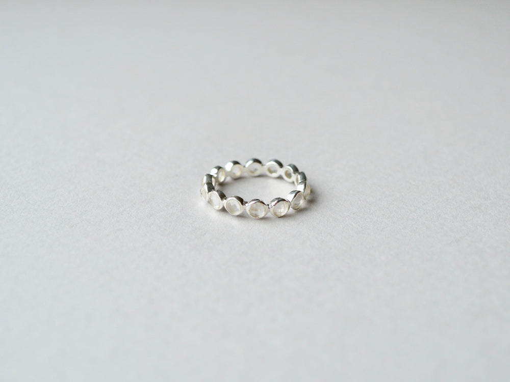 Tiny Dots: Mondstein Band Ring silber