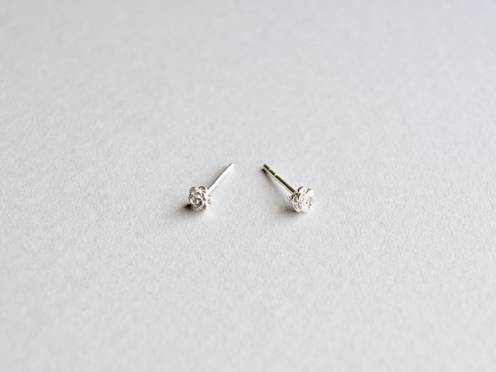 New in: Tiny Roses Ohrstecker silber