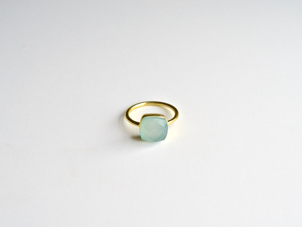 Square Dots: Aqua Chalcedon Ring vergoldet