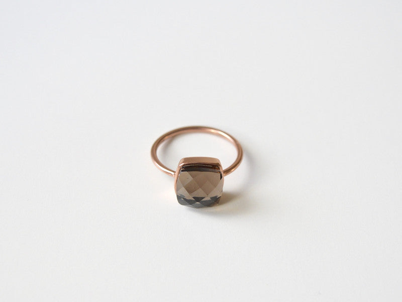 New in: Rauchquarz Ring rosévergoldet