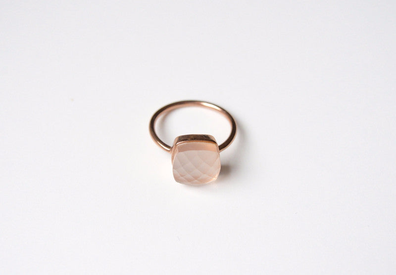 New in: Light Rosa Chalcedon Ring rosévergoldet