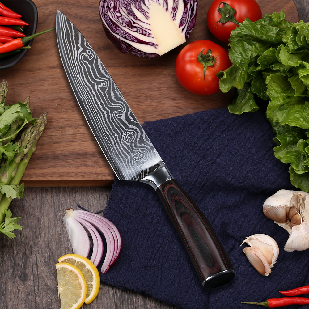 A chef's knife is the best ingredient in your kitchen You use a chef's knife to cut vegetables, meat and fish. But also finely chopping herbs, crushing pepper corns and peeling cloves of garlic is easy with this all-rounder.