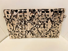 Load image into Gallery viewer, Beige Snakeskin Geometrical clutch