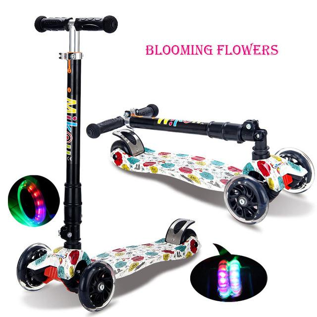 Trottinette enfant multicolore à roues LED Easy