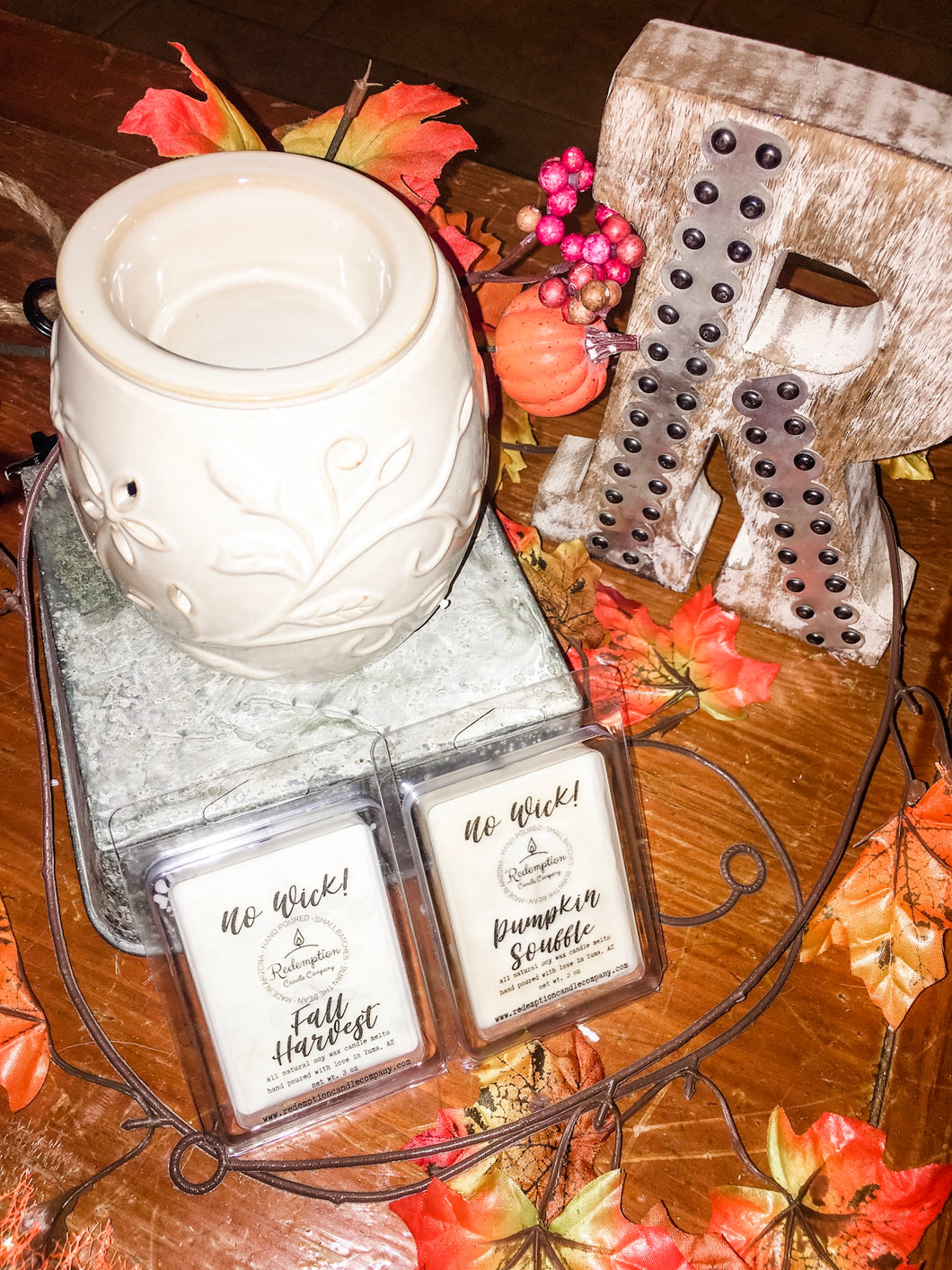 Ceramic Warmer Bundle (Includes TWO No Wick Melts)