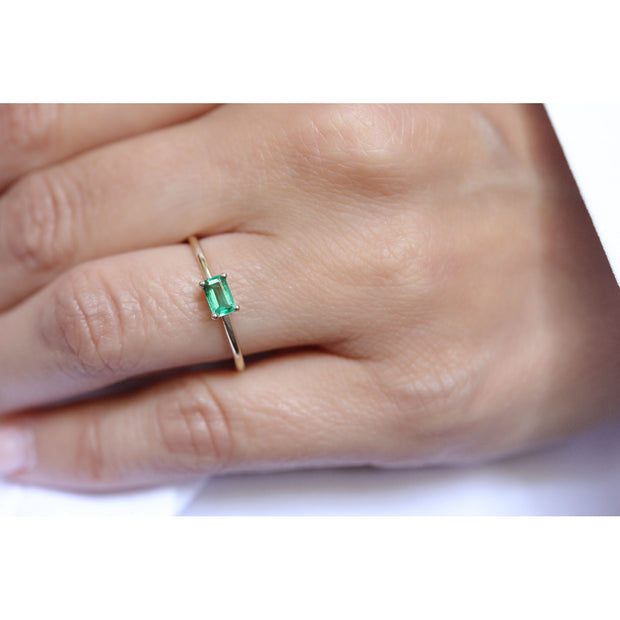 14K Solid Gold Green Emerald Minimalist Ring Model 2