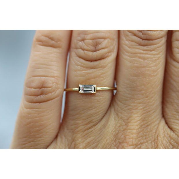 14K Solid Gold White Sapphire Baguette Minimalist Ring Model