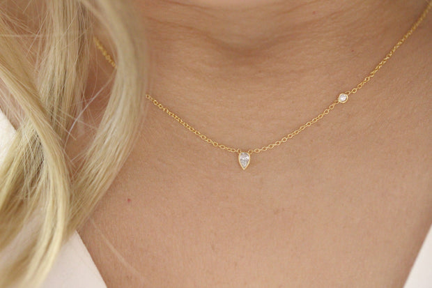 14K Solid Gold Pearshape Diamond Multistone Necklace  Model