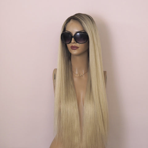 Anastasia - Full lace / 18 to 24 inch / 200 % volume / Virgin hair