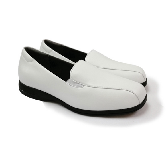 STEPCARE - Health Footwear: SC1026 Women Uniform/ Pro/ Nurse Shoes (White)
