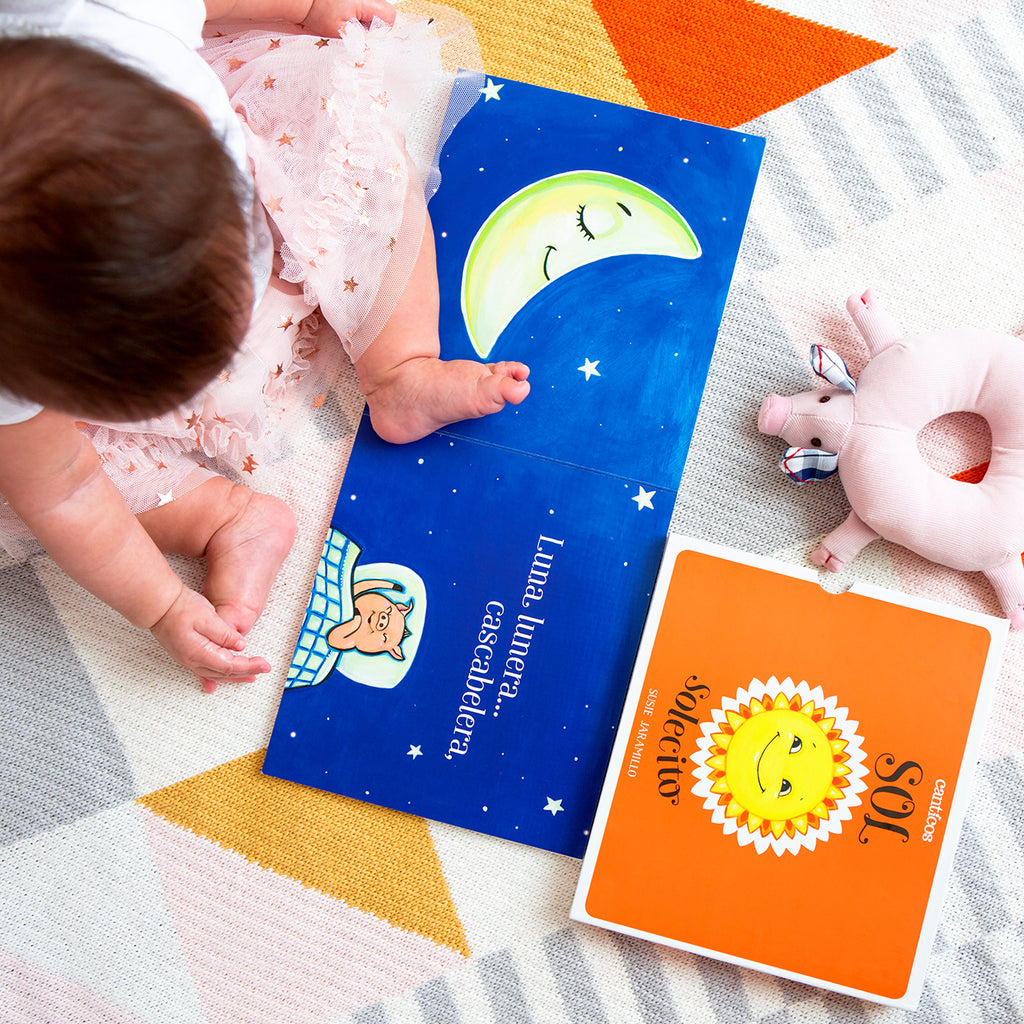 Little Sunny Sunshine / Sol Solecito - Reversible Bilingual Board Book