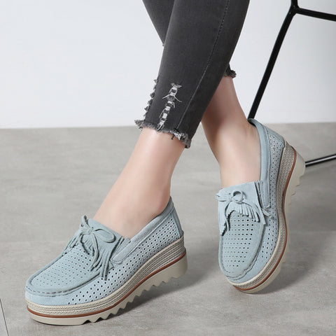 woman with perfect summer shoes 2019