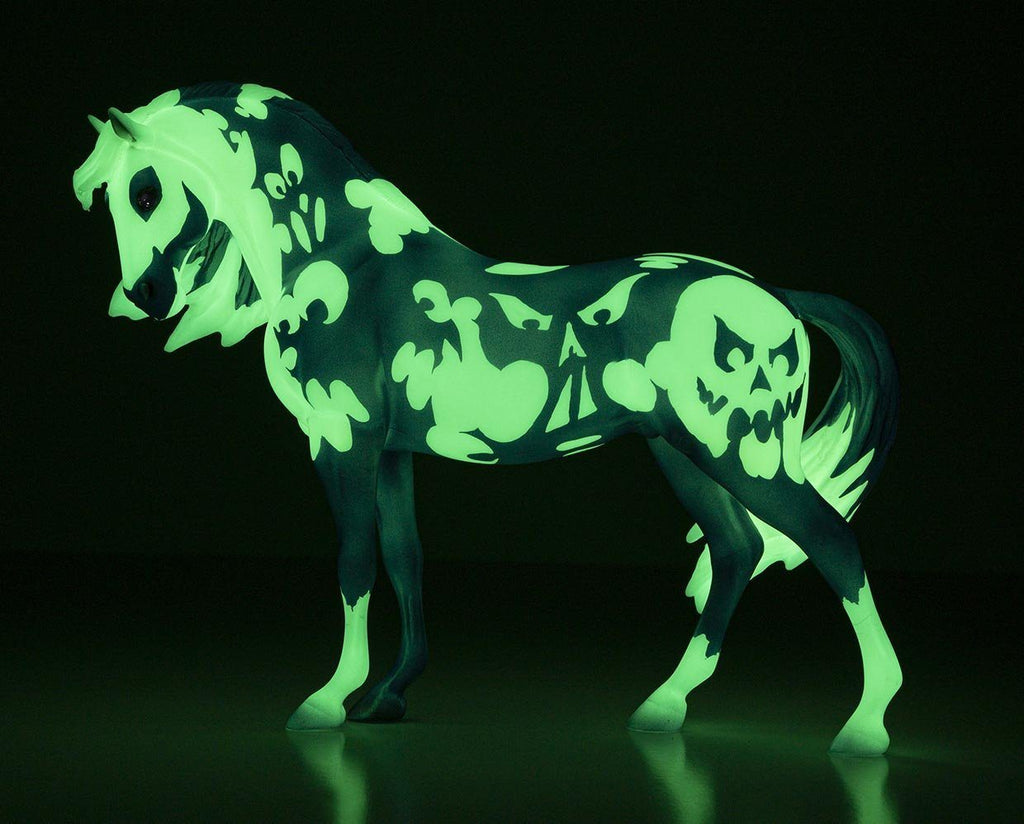 Breyer 2020 Halloween Horse Apparition