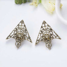 Load image into Gallery viewer, Fashion Hollow Collar Triangle Pin Broach