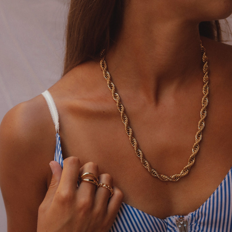 Chunky Silhouette Necklace