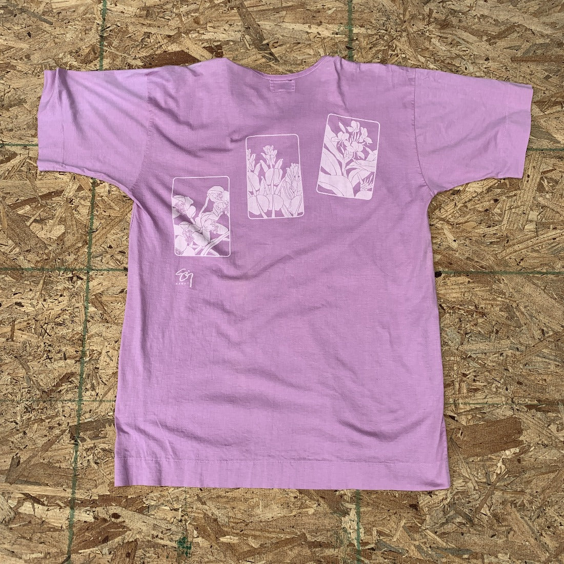 Beach Bird Of Paradise Purple Henley Tshirt | M  Vintage 🏖️
