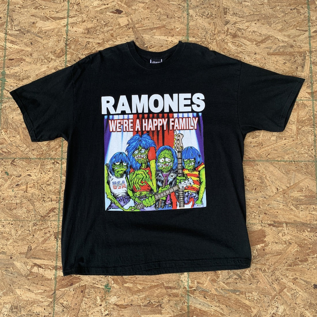 Ramones We're A Happy Family | XL