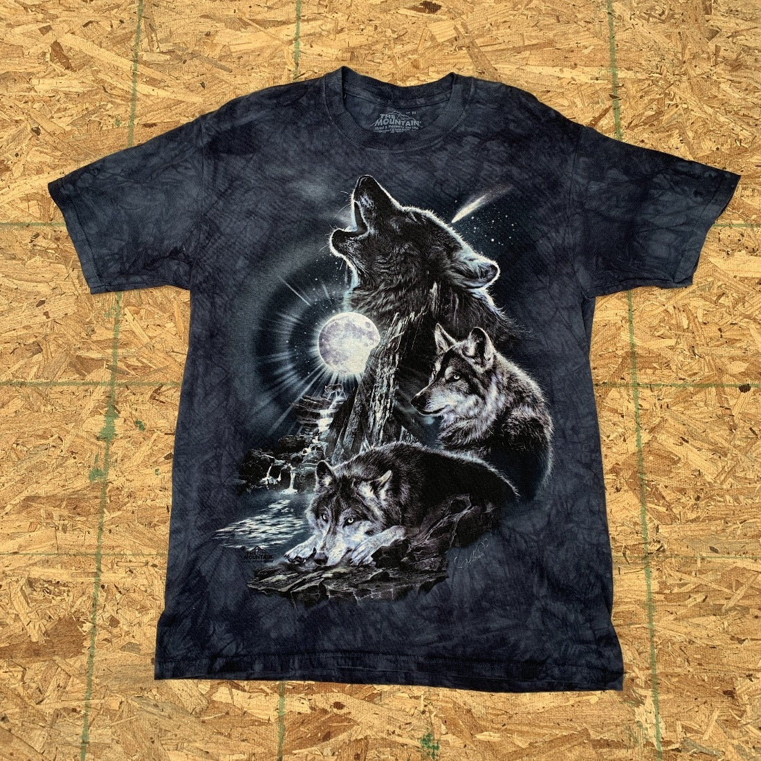 90s Howling Wolf Enzyme Wash Tshirt| M Vintage