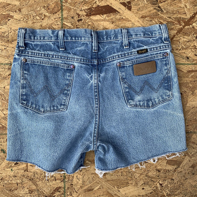80s Wrangler Vintage Light Wash Denim Cutoff Shorts | 33
