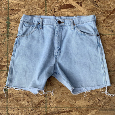70s Wrangler Light Wash Denim Cutoff Shorts | 32