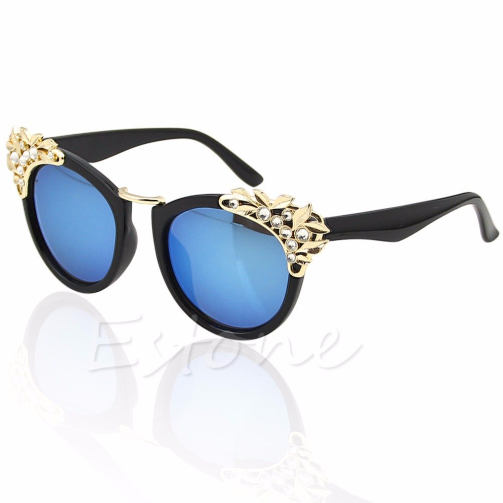 New 2017 Classic Women Sunglasses Jewelry Flower Rhinestone Decoration Sun glasses Vintage Shades Eyewear Gafas De Sol