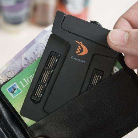 CarZor™ Credit Card-Sized Razor with Mirror