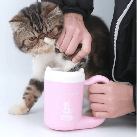 Image of PaWmaZing™ Pet Paw Cleaner Cup