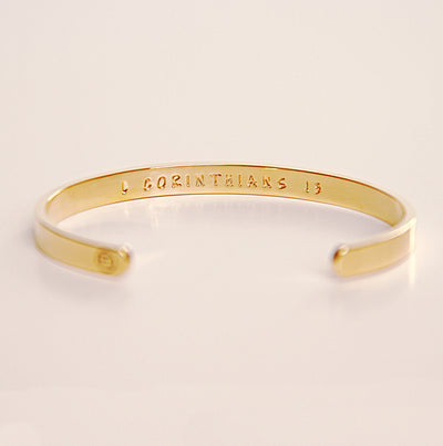 Love Never Fails Bracelet - Gold