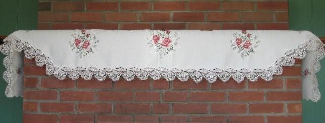Valance-Burgundy Rose With Lace Edge M-H7135/W-27