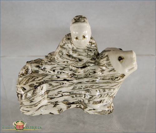 Agate Figure On Lion
