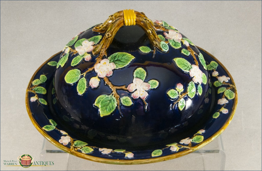 An Antique George Jones Majolica Apple Muffin Dish C1875