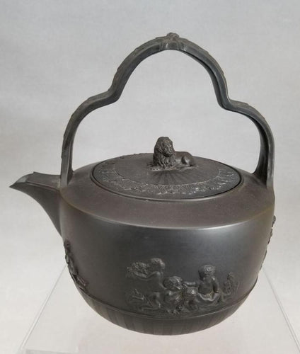 An Antique English Black Basalt Rum Kettle impressed Turner, c1820