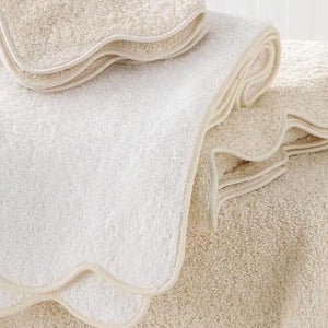 Matouk Cairo Towel with Scallop Piping