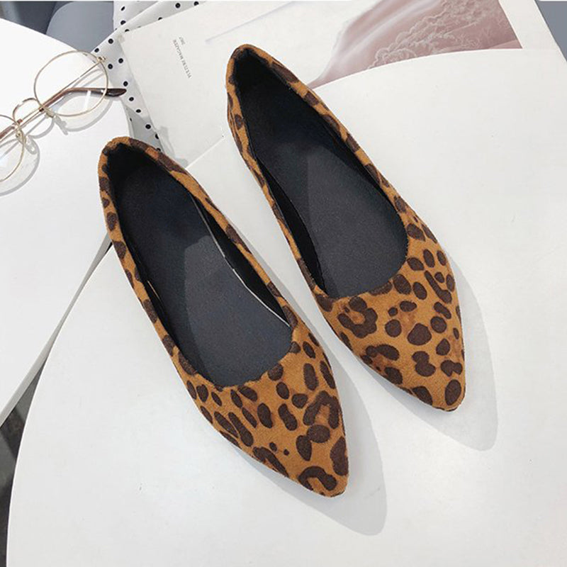 48043c5d302a ... Load image into Gallery viewer, Women Lady Leopard Printed Pointed Toe  Slip-on Flat ...