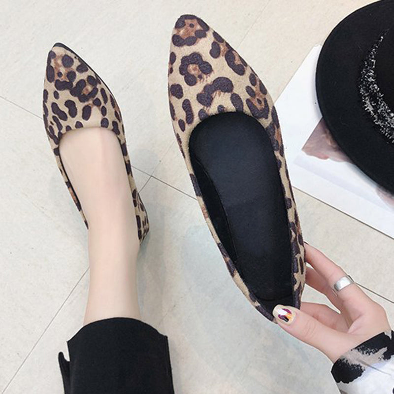 bdf2e325378a ... Load image into Gallery viewer, Women Lady Leopard Printed Pointed Toe  Slip-on Flat