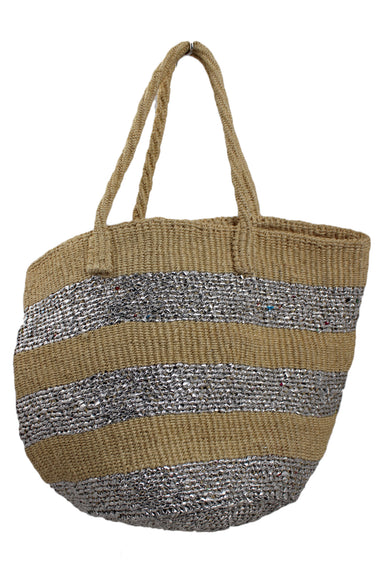 unlabeled straw and metallic tote bag. features straw and silver metallic exterior and straw straps.