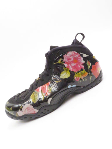 nike air floral foamposite one basketball sneakers. lace up closure. featuring a hard shell molded floral print outer.