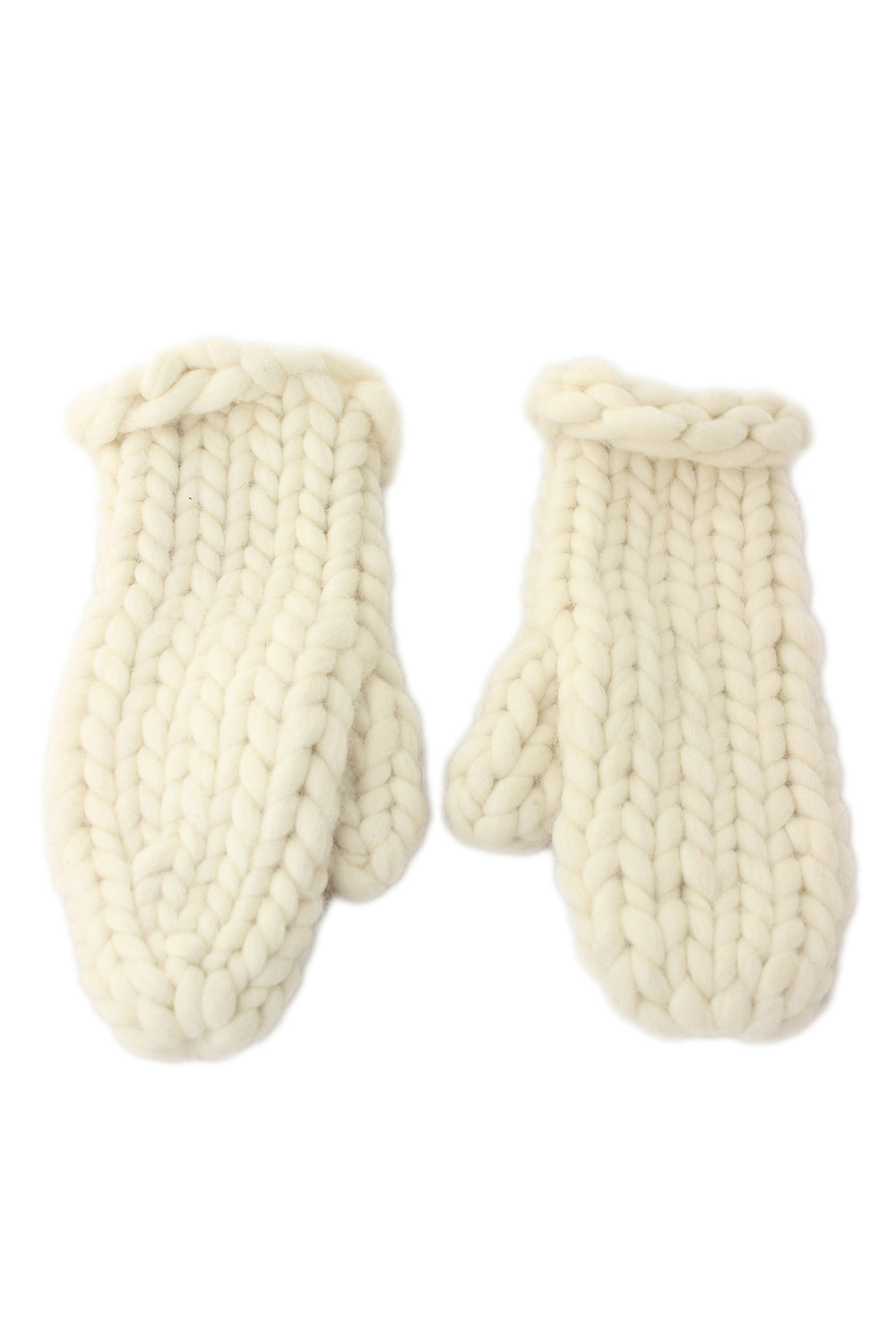 unlabeled cream chunky knit wool gloves.