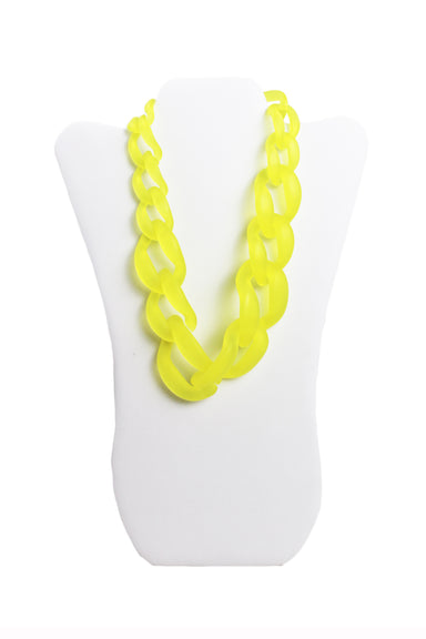 unlabeled neon yellow plastic chain link necklace.