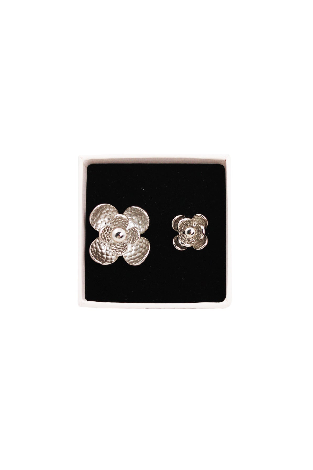 sergio rossi silver floral double ring box.