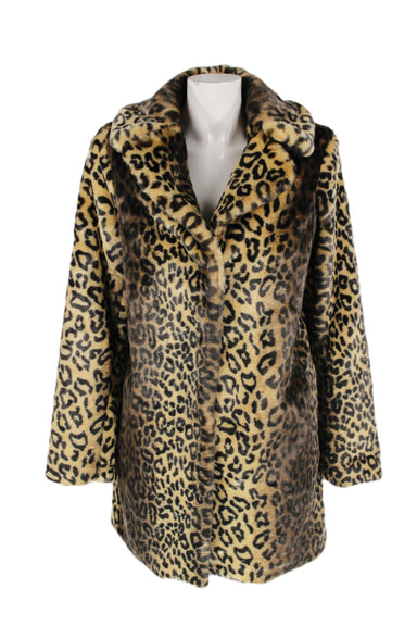 cheetah print midline collared jacket. features snap button-down closure & two side pockets.