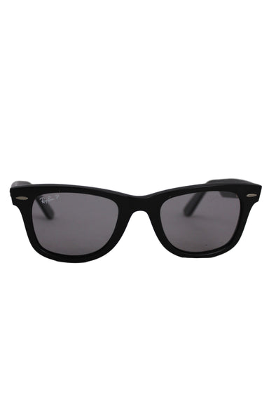 ray ban black wayfarer sunglasses. features polarized frames. original case included.