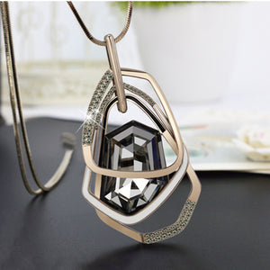 2016 New Arrival Women Pendant Necklaces Section Crystal Long Necklace